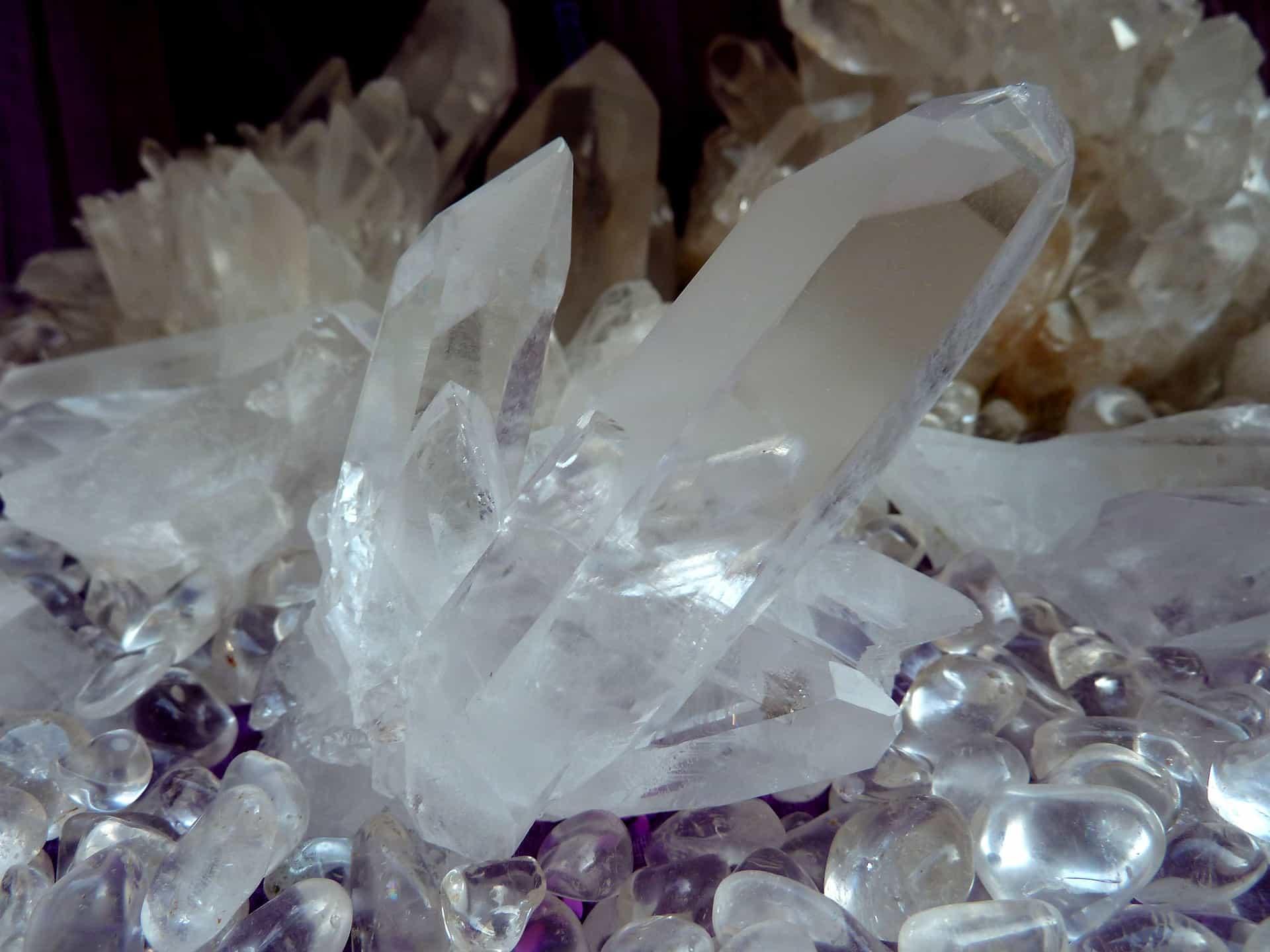 rock-crystal-1607218_1920